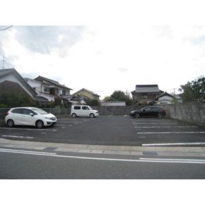 中町上田駐車場