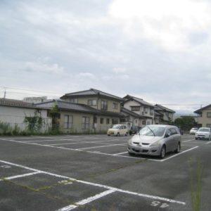 卯垣森岡駐車場