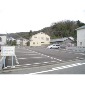 江崎通り駐車場