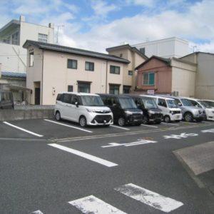 本町盛田駐車場