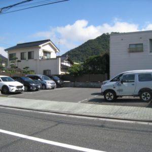 西町塩崎駐車場