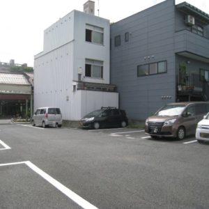 瓦町盛田駐車場